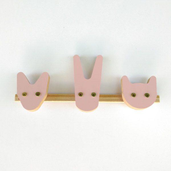 Cuelgallaves cabezas animales rosa