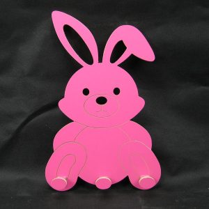 Perchero conejo fondo negro