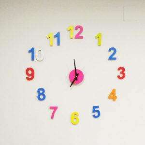 Reloj números colores